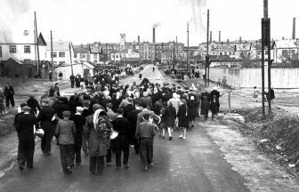 Улицы Школьная (Тевосяна) и Западная (Пионерская). Конец 1940-х (?). Фото: Архив Тимофея Шарамова