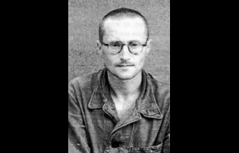 В. Б. Меньшиков в лагере. Фото из архива М. Гольдмана // Карта. 1997. № 17–18