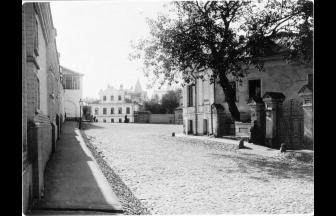 2-й Зачатьевский пер., вид на Зачатьевский монастырь.1913–1914 гг. Фото: PastVu