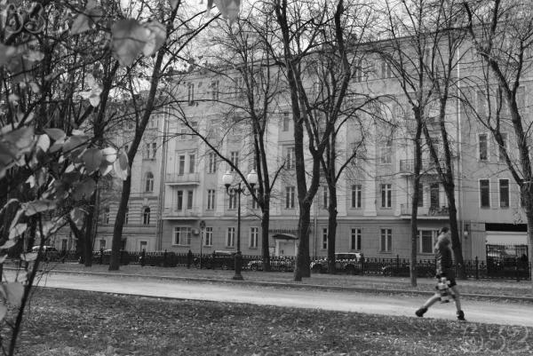 Гоголевский бульвар, 25. За фасадом находился флигель, где жил Шаламов с Ольгой Неклюдовой