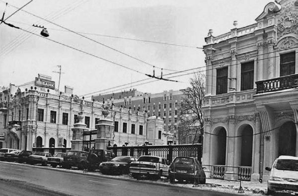 Вид с Большой Лубянки на двор д. 14. Фото: архив общества «Мемориал»