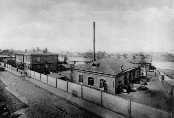 Городская насосная станция на углу Проточного и Малого Ново-Песковского переулков. Примерно такой забор ограждал Новопесковский лагерь