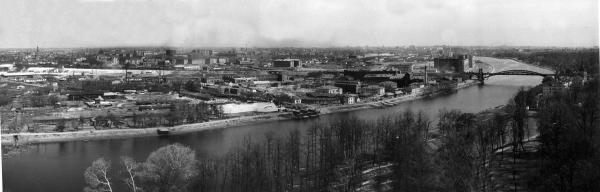 Вид с Воробьёвых гор. 1946–1949 гг. Фото: PastVu