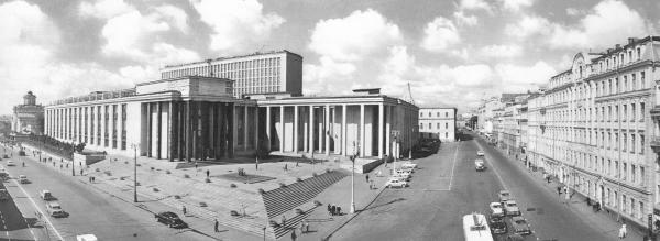 Здание библиотеки имени Ленина