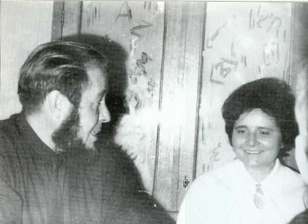 В Институте Русского Языка с Ламарой Капанадзе. Ноябрь 1967 года. Фото: Солженицын А. И. Бодался телёнок с дубом. М.: Согласие, 1996