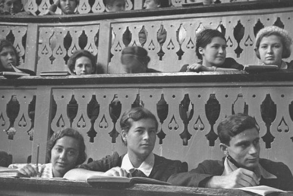 На лекции в МГУ. 1934. Фото: МАММ / МДФ, russiainphoto.ru