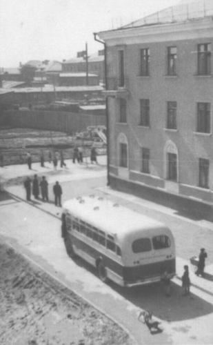 Вид на Кунцевскую улицу от дома № 8. 1950–1951 гг. Фото: PastVu