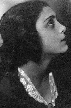 Рахиль Михайловна Мессерер-Плисецкая. Содержалась в Бутырской тюрьме вместе с семимесячным сыном Азарием весной 1938 г. Фото: Wikipedia